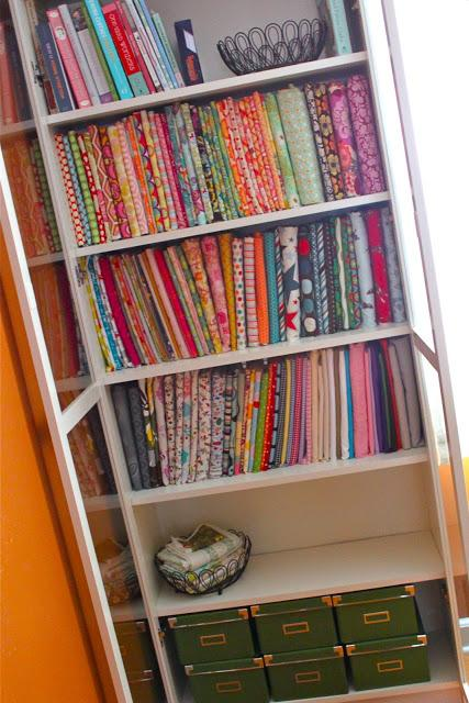 Smashed Peas & Carrots stores fabric on comic book storage boards