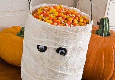 Mummy bucket for a trick or treat bag