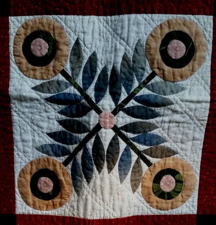machine quilted taupe album closeup 3