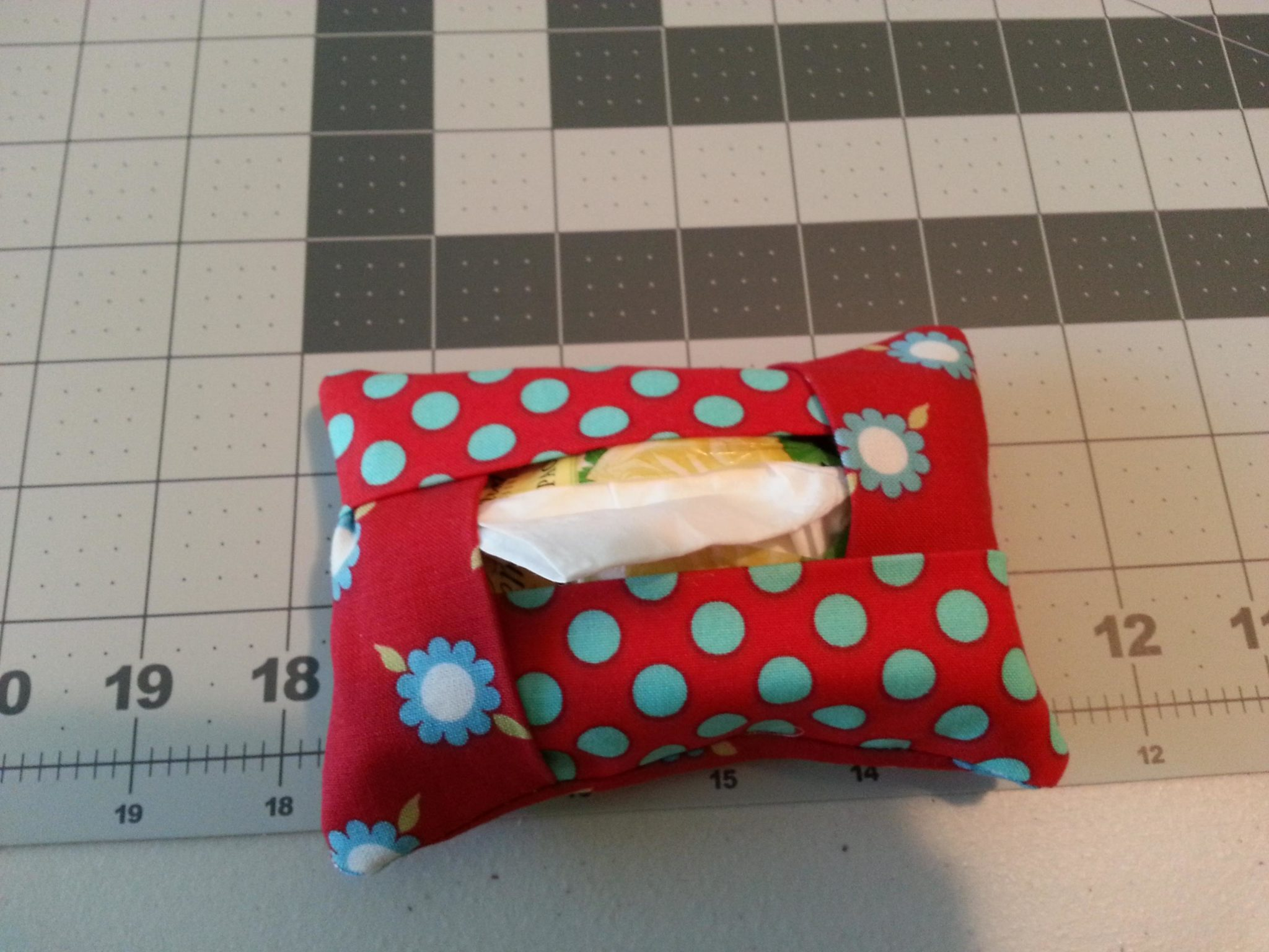 Easy and Cute Tissue Cover