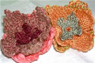pin loom flowers close up