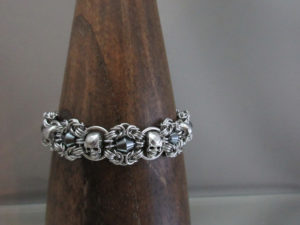 Skull ring made by PharEwings