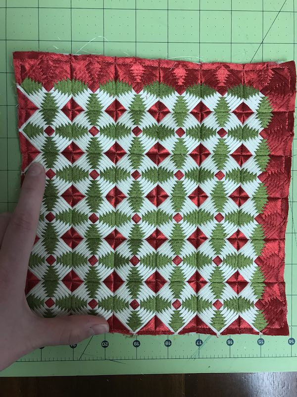Mini log cabin quilt Holly Leaves by Amy Pabst