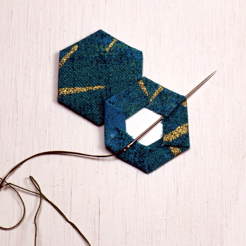 EPP Tree-Shaped Ornament with Hexies-10-Bury knot in fold at corner