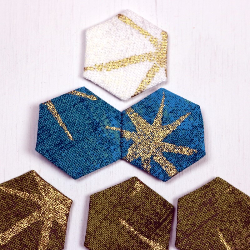 EPP Tree-Shaped Ornament with Hexies-12a-Finger press open