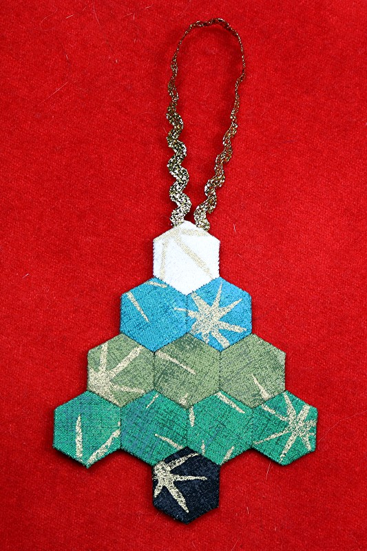 EPP Tree -Shaped Ornament with Hexies-21-On red background
