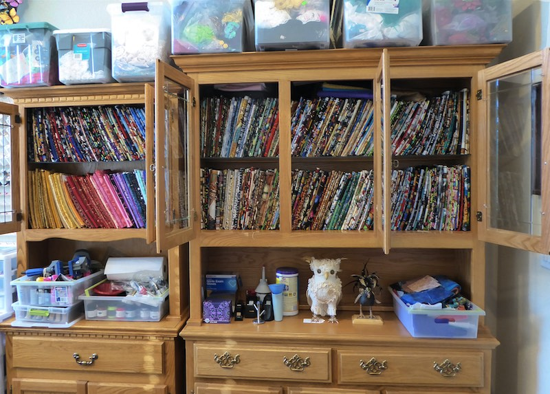 Linda's studio and fabric organization