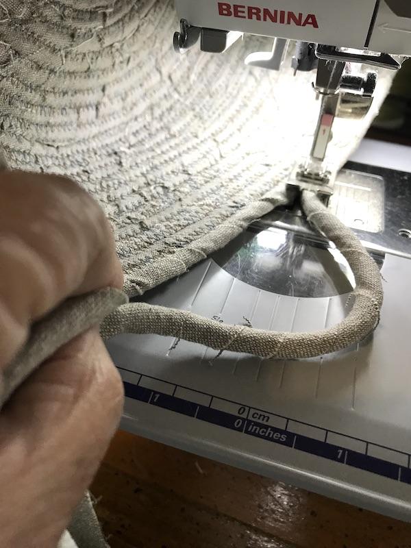 Fabric basket Make a handle on your basket