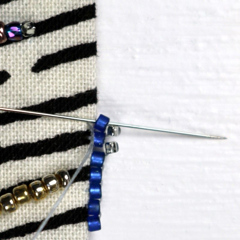 Bead Embroidery Edge Picot-3-Continue Adding Picot and Brick Beads
