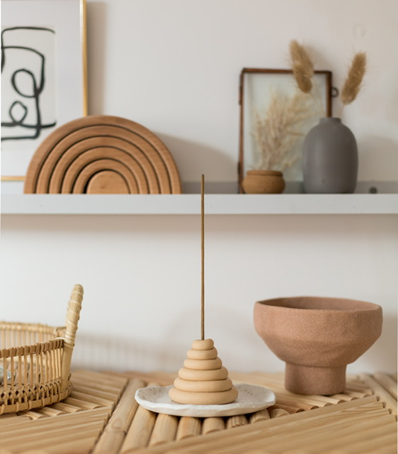 Pottery ringed incense holder