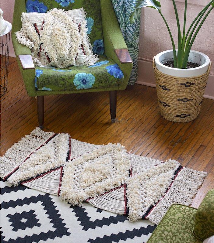 Macrame shaggy rug