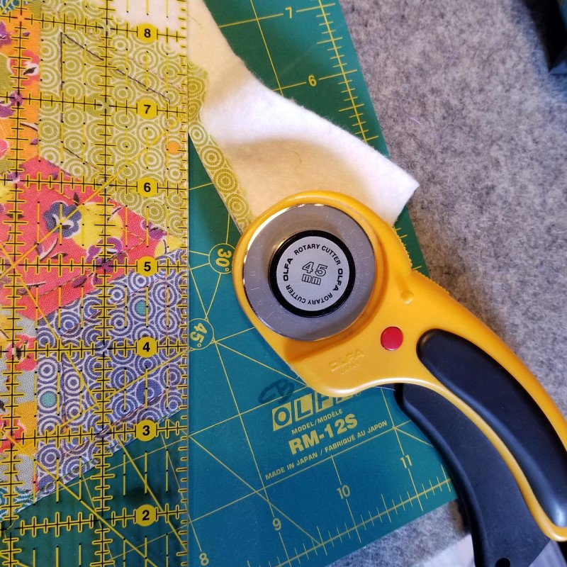 Make an EPP Mug Rug - Trim Close to Stitching