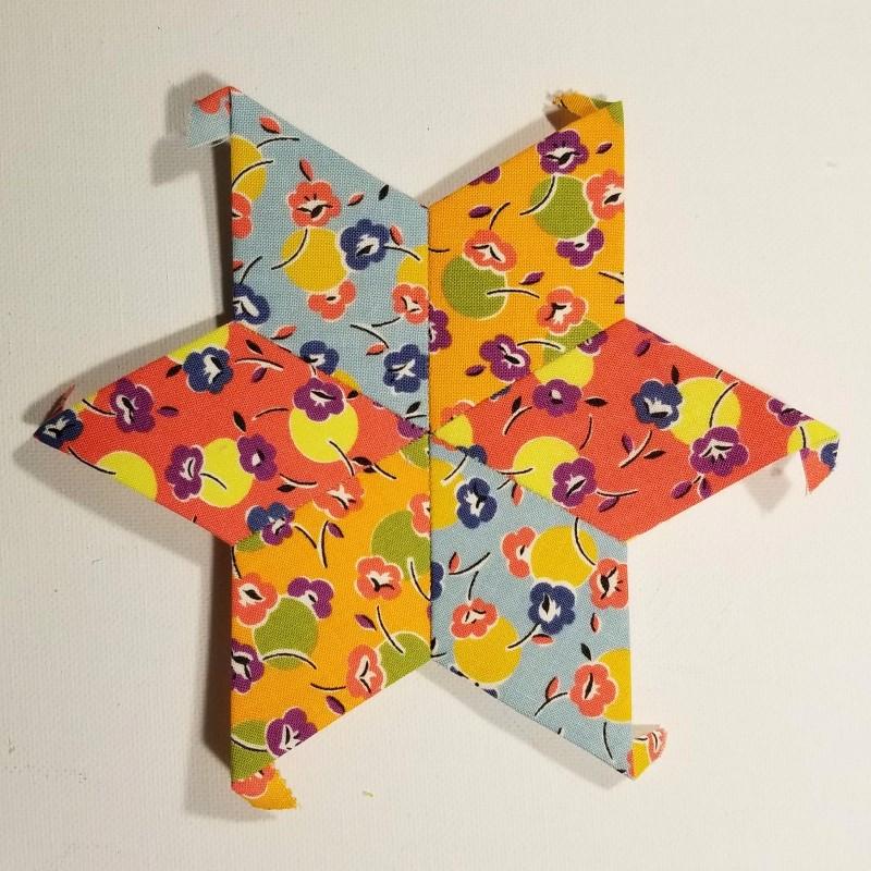 Make an EPP Mug Rug - Center Star Stitched