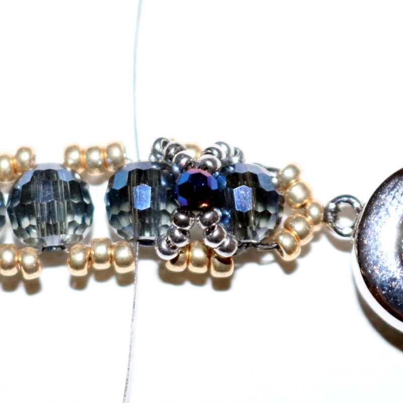 Looking Glass Bracelet add 3 15s to each thread and cross through 6mm