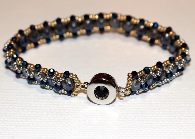 Make the Looking Glass Bracelet